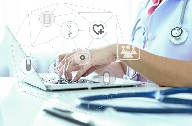 3 Ways the internet is helping medical professionals spend more time with patients