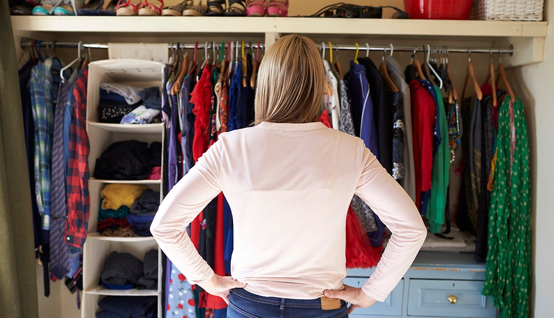 How To DIY Your Wardrobe